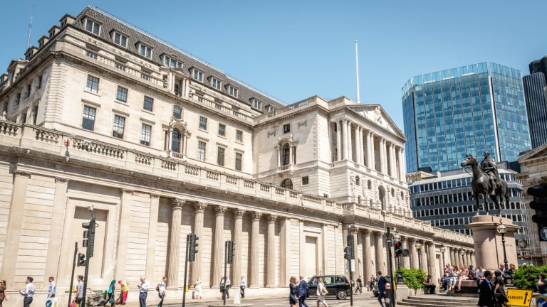 Bank of England Boss Pledges 'Tough Love' in Cryptocurrency Regulation