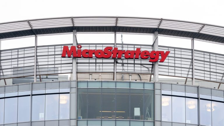 Microstrategy Selling up to $1 Billion of MSTR Stock to Buy Bitcoin