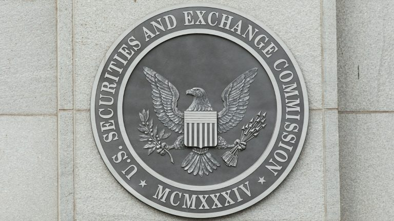 US SEC Commissioner Says Bitcoin ETF Approval Long Overdue